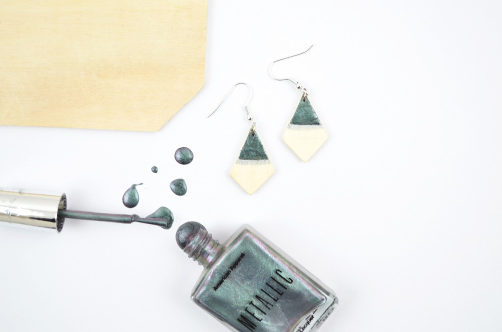 DIY Ohrringe aus Balsaholz