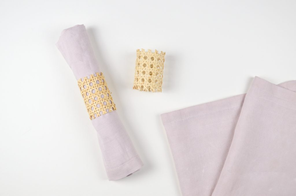 Ostern DIY-Anleitung für einen Serviettenring aus Wiener Geflecht