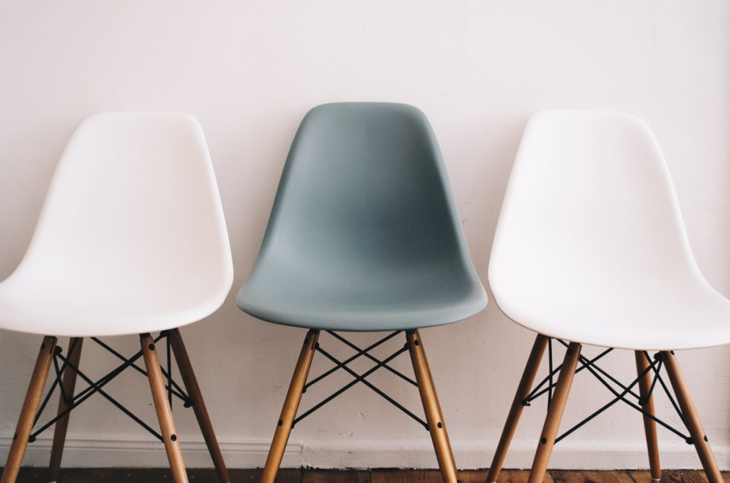 Der Eames Side Chair DSW von Vitra via Connox im Überblick